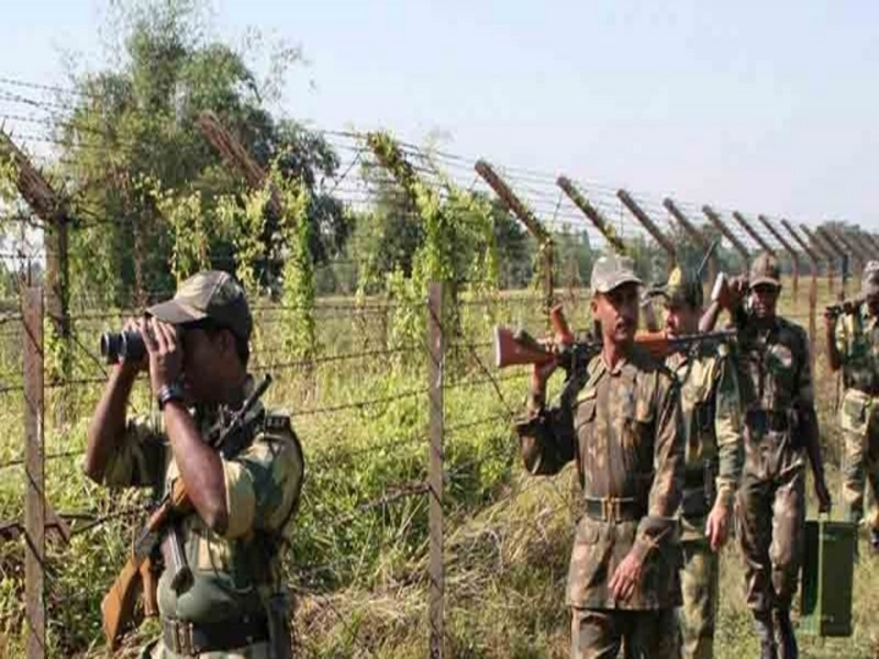 Pakistan fires mortars, automatics on LoC in Rajouri