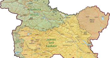 जम्मू कश्मीर: बडगाम में आतंकी और सुरक्षाबलों के बीच एनकाउंटर, दो आतंकी ढेर