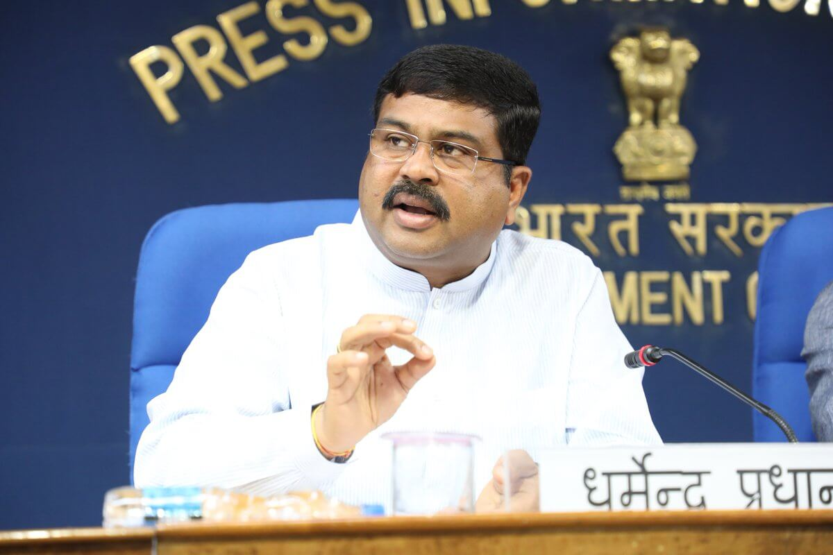 Over 2 cr LPG connections issued under PMUY: Pradhan