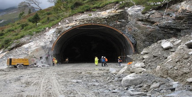 stalemate ends  rohtang tunnel work set to resume